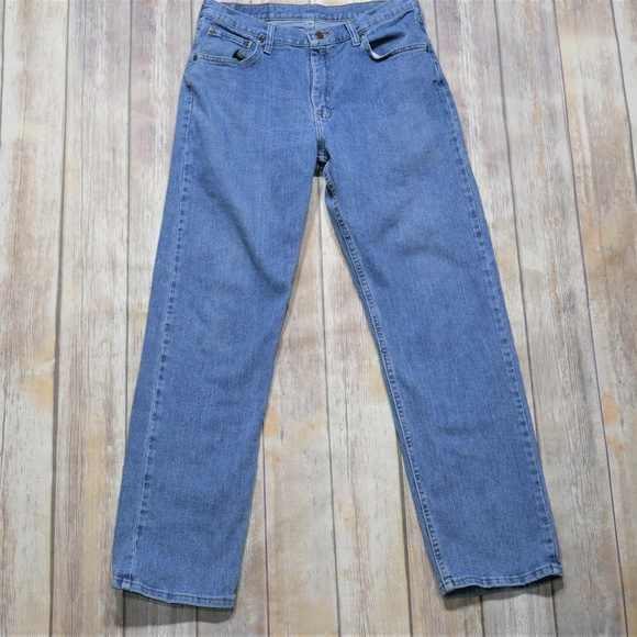 Wrangler Other - Wrangler | Relaxed Fit Light Wash Jeans Size 32/32
